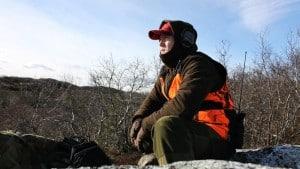 Terje Wangsholm trives på Vidda enten han har med hagle, fiskestang eller rifle. FOTO: Privat
