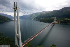 Broen ble en TV-hit i Kina da den ble bygget! Nå trekker den turister til Hardanger!